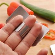 Защита пальцев рук от ножа при нарезании продуктов